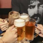 二日酔いを少しでも早く解消するための飲物、食物、薬とは?