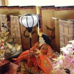 ひな祭りで飾る菱餅の由来と色の順番と意味そして飾り方は?